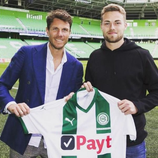 Swedish U 21 National team player Gabriel Gudmundsson signed a 3 + 1 year contract with FC Groningen today. Here with Groningen Sport director Jean Marc Fledderus. We have had many Scandinavia top players like Andreas Granqvist, Tim Sparv, Rasmus Lindgren and Petter Andersson in Groningen during the last 11 years. Great club for young players. Congratulations and good luck Gabriel.