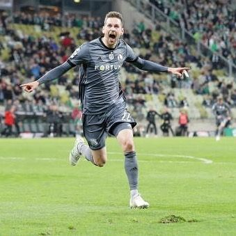 Finish National team player, Kasper Hämäläinen scored 1 goal and had 1 assist in Legia Warsaw's 3-1  win vs Gdańsk. The win took Legia to the top of the polish Extraklasa. Well done Kasper.
