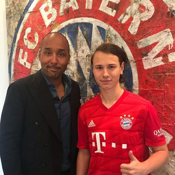 FC Bayern super talent Alex Timossi signed his first professional contract with German giants FC Bayern Munich yesterday. Congratulations Alex.