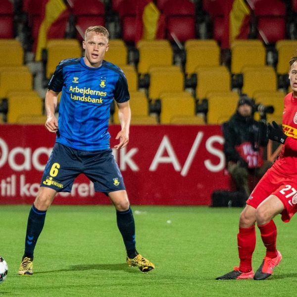 Happy to see Icelandic National team player Hjortur Hermansson back in Bröndby's starting eleven after being out injured for 6 weeks. Hjortur had a very good and solid game in Bröndby 2-2 draw vs Nordsjälland.