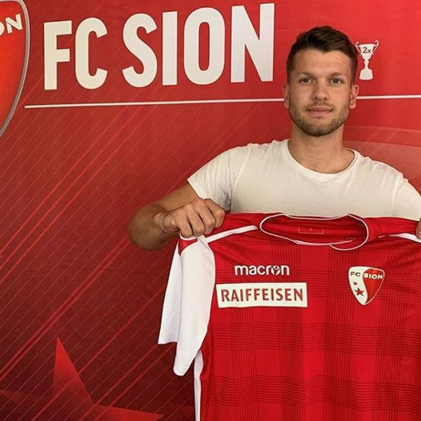 Juventus defender Mattias Andersson just signed a 3 year contract with Swiss top club FC Sion. Here with FC Sion coach and my former team mate Stephan Henchoz. Congratulations and good luck Mattias.